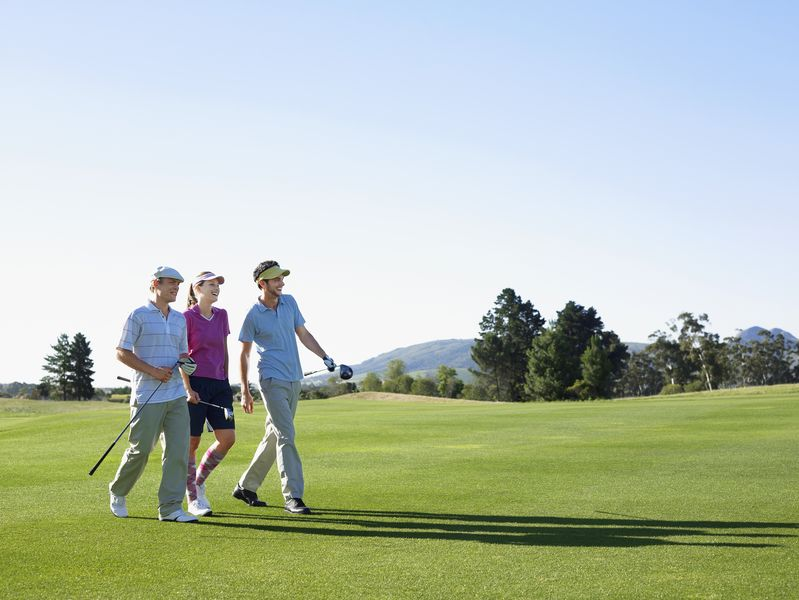 ゴルフ 歩く